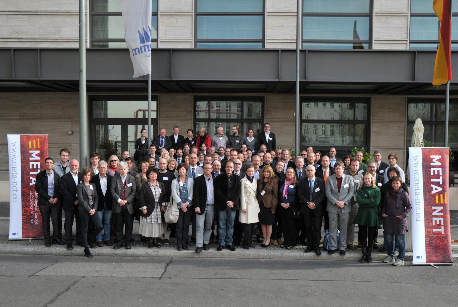 Gruppebilde fra forskernettverket META-NETs møte i Berlin, oktober 2011